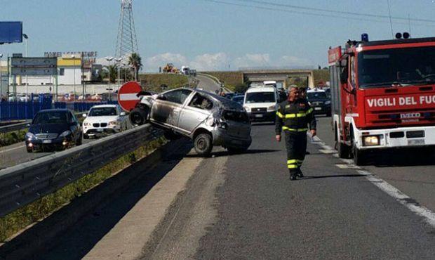 ss131-scontro-tra-auto-5-feriti-bloccata-una-corsia-della-statale