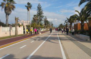 automobilisti-vs-ciclisti-sulle-nostre-strade-l-eterna-lotta-tra-motore-e-pedali