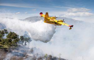 incendi-fiamme-ogliastra-azione-canadair-ed-elicotteri