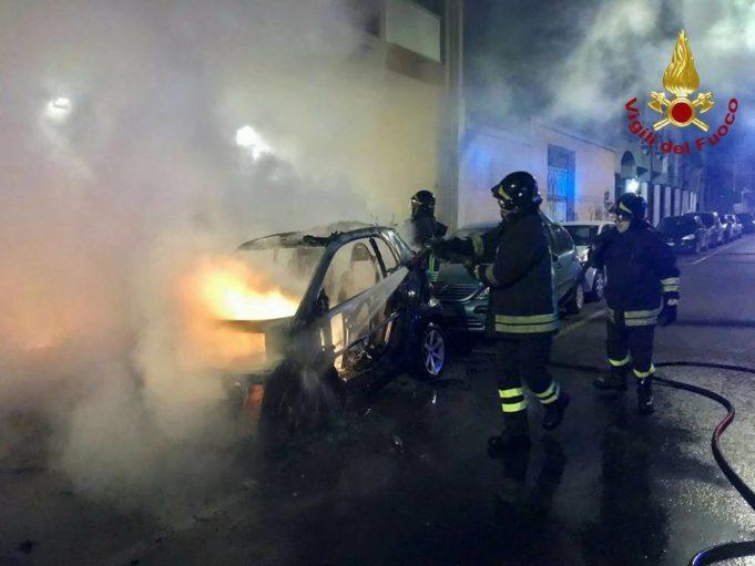 Notte di incendi a Cagliari e nell'hinterland: in azione ...