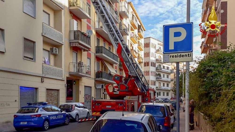 Paura a Cagliari: abitazione in fiamme | Cagliaripad